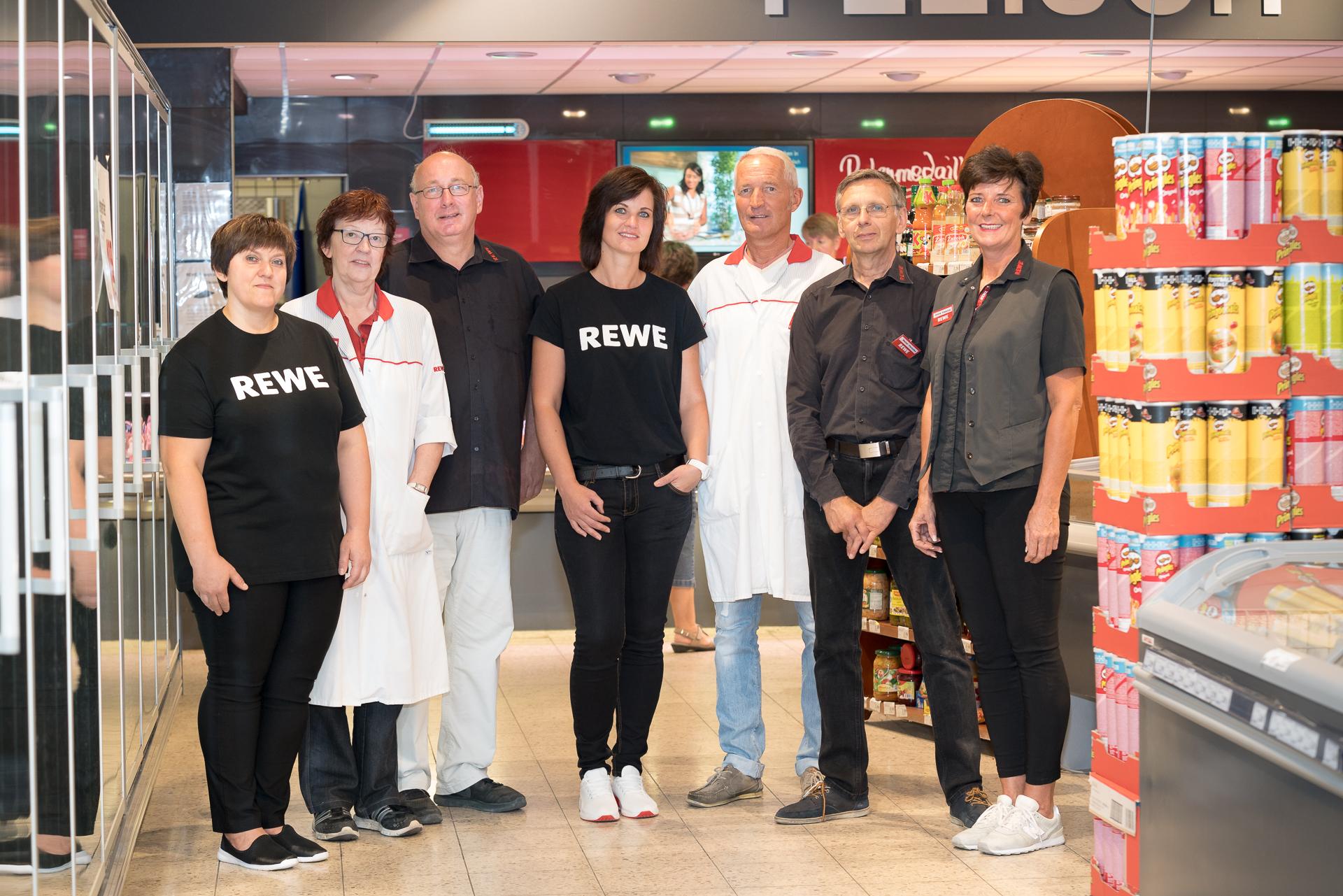 Das Team von REWE Schürbüscher Herzfeld